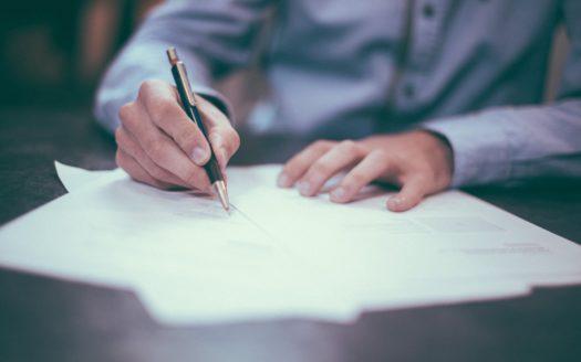 Signature de mandat immobilier